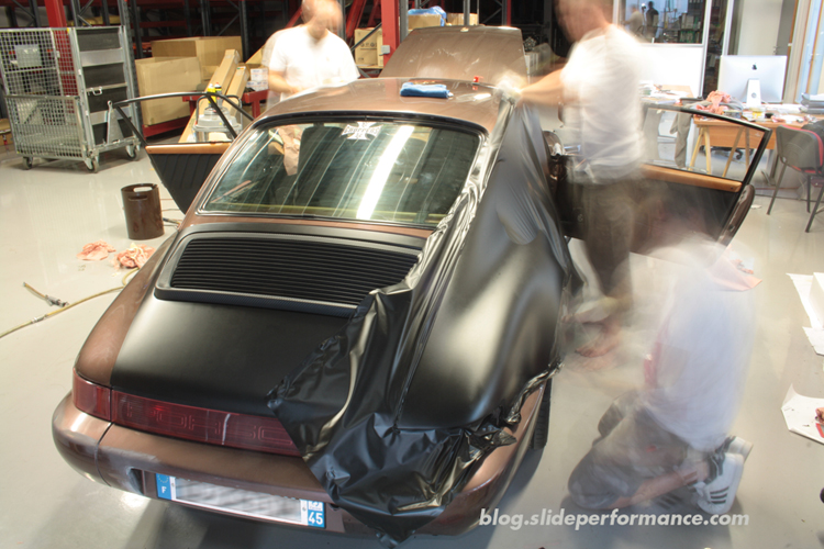 Covering-Aile-Arr-Porsche-Slide-Performance